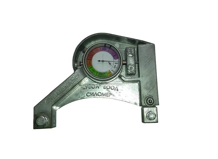 Динамометър за измерване на силата с която се опъват ленти на банциг.